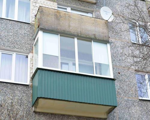 Lodžiju un balkonu iestiklošana.