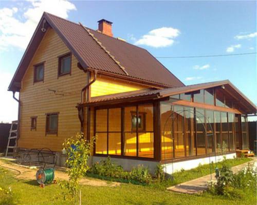 Stikla veranda aizvien pieprasītāks elements mājas arhitektūrā.