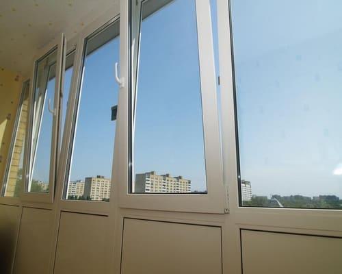 Lodžiju iestiklošana – siltās un aukstās stiklošanas sistēmas.